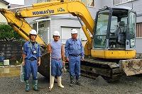 表層改良工事・作業員3名