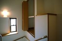 階段おどり場の収納スペース