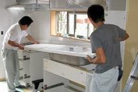 システムキッチン組立作業