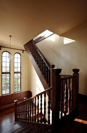 旧マッケンジー邸の階段
